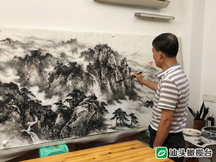 诗画双修!这位陶艺大师不仅自作诗词,还将其融入到山水瓷画创作中......