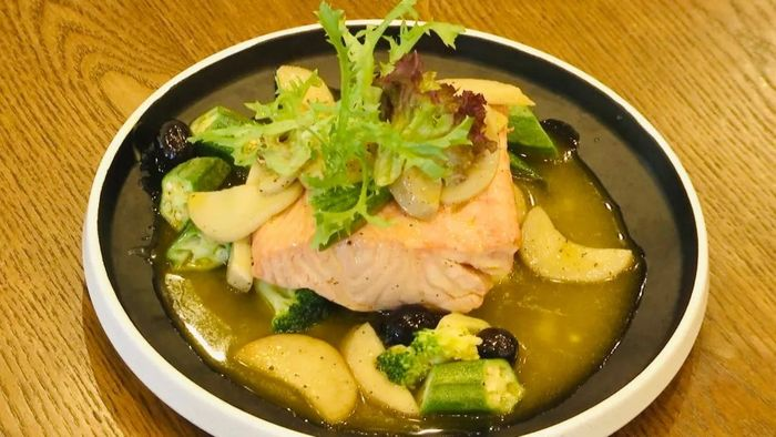 《美食潮》教你制作:酒浸三文鱼伴杂菇