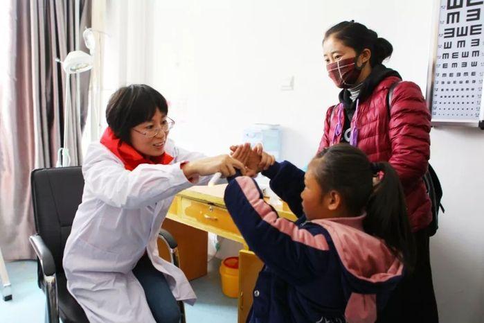 雪域高原送光明!汕头国际眼科中心援藏团队再启程!