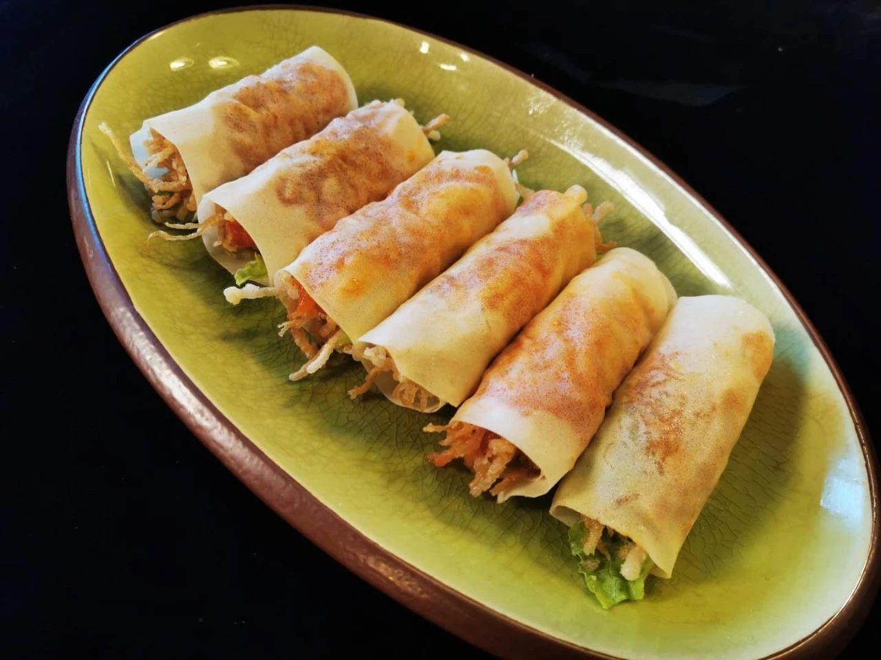 《美食潮》多彩素食之二——罗汉粥与菇菌卷